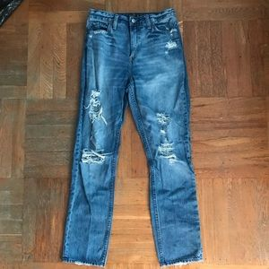 Abercrombie & Fitch High Waisted Girlfriend Jeans
